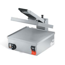 Vollrath - 40793 - Cayenne® Super Size Flat Plate Sandwich Press image