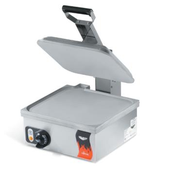 95206 - Vollrath - 40791 - Cayenne® Electric Countertop Sandwich Press w/ Smooth Plates Product Image