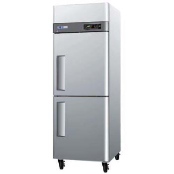 TURM3R242 - Turbo Air - M3R24-2 - M3 Series (2) 1/2 Door Reach-In Refrigerator Product Image